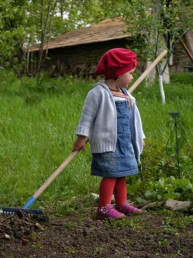 juli in the garden
